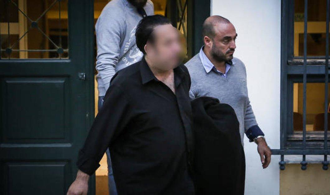 Στις φυλακές Ναυπλίου οδηγήθηκε ο ενεχυροδανειστής που εμπλέκεται στο κύκλωμα λαθρεμπορίας χρυσού - Κυρίως Φωτογραφία - Gallery - Video