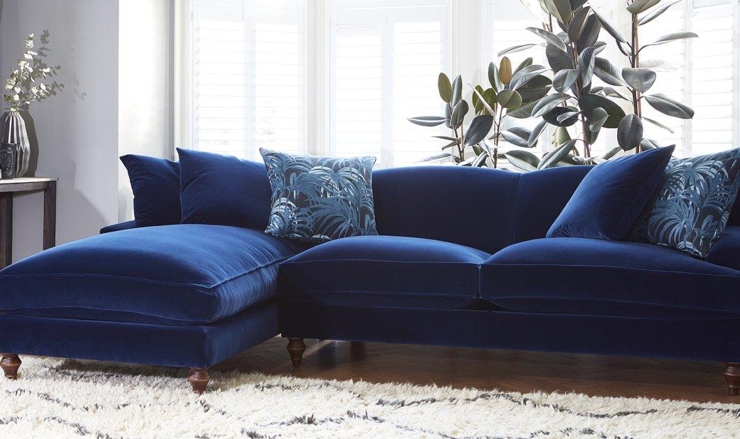 26 συναρπαστικοί βελούδινοι καναπέδες δημιουργούν Glamour ατμόσφαιρα στο σαλόνι σας - Κυρίως Φωτογραφία - Gallery - Video