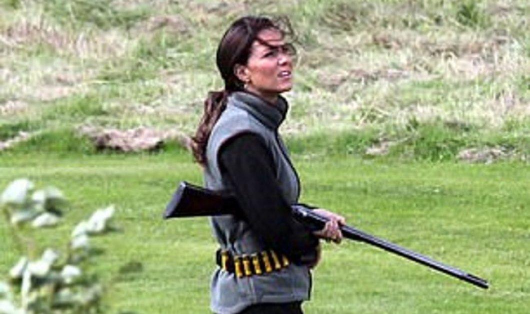 «Μέγκαν, φύγε, κρατάω όπλο»: Η Κέιτ Μίντλετον βγήκε να κυνηγήσει μόνη ζωσμένη με σφαίρες (Φωτό) - Κυρίως Φωτογραφία - Gallery - Video