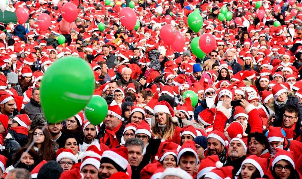 Santa Run: Χιλιάδες άνθρωποι ξεχύθηκαν στους δρόμους ντυμένοι Αη Βασίληδες  και έτρεξαν για καλό σκοπό (φωτό) - Κυρίως Φωτογραφία - Gallery - Video