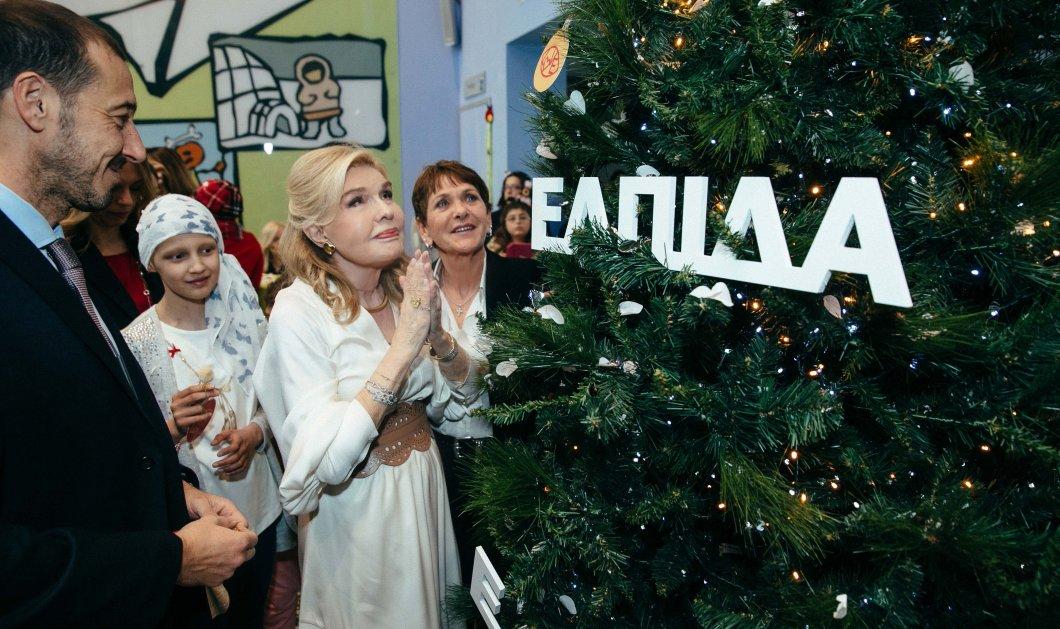 Το πιο φωτεινό δέντρο των ευχών άναψε στην Ογκολογική Μονάδα Παίδων «Μαριάννα Β. Βαρδινογιάννη - Ελπίδα»  - Κυρίως Φωτογραφία - Gallery - Video