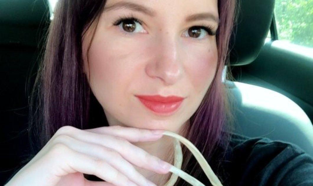 35χρονη blogger μακραίνει τα νύχια της εδώ και 4 χρόνια - Έχουν φτάσει τα 12cm! Και συνεχίζει Φώτο & βίντεο   - Κυρίως Φωτογραφία - Gallery - Video