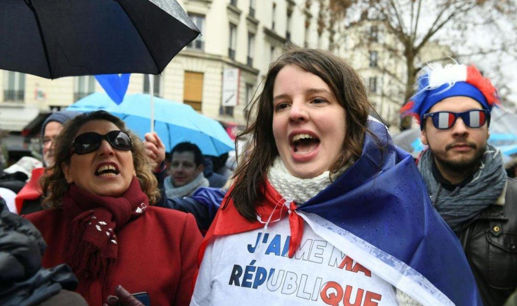 """Παρίσι: """"Κόκκινα φουλάρια"""" εναντίον """"Κίτρινων γιλέκων"""" : Νέο κίνημα - Τι ζητάει (φώτο-βίντεο) - Κυρίως Φωτογραφία - Gallery - Video"""