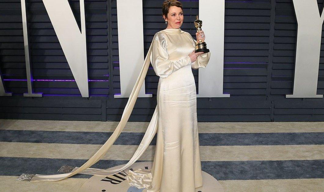 """Δάκρυα- δάκρυα χαράς από την πρωταγωνίστρια του Λάνθιμου, που ντύθηκε """"νύφη"""" στο πάρτι του Vanity Fair (φώτο)  - Κυρίως Φωτογραφία - Gallery - Video"""