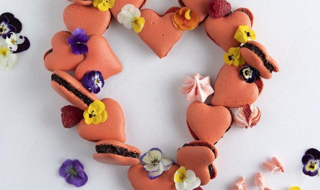 Ο Άκης Πετρετζίκης ετοιμάζει για εσάς υπέροχο γλυκό για του  Αγίου Βαλεντίνου - Μακαρόν καρδιάς για τον έρωτά σας - Κυρίως Φωτογραφία - Gallery - Video