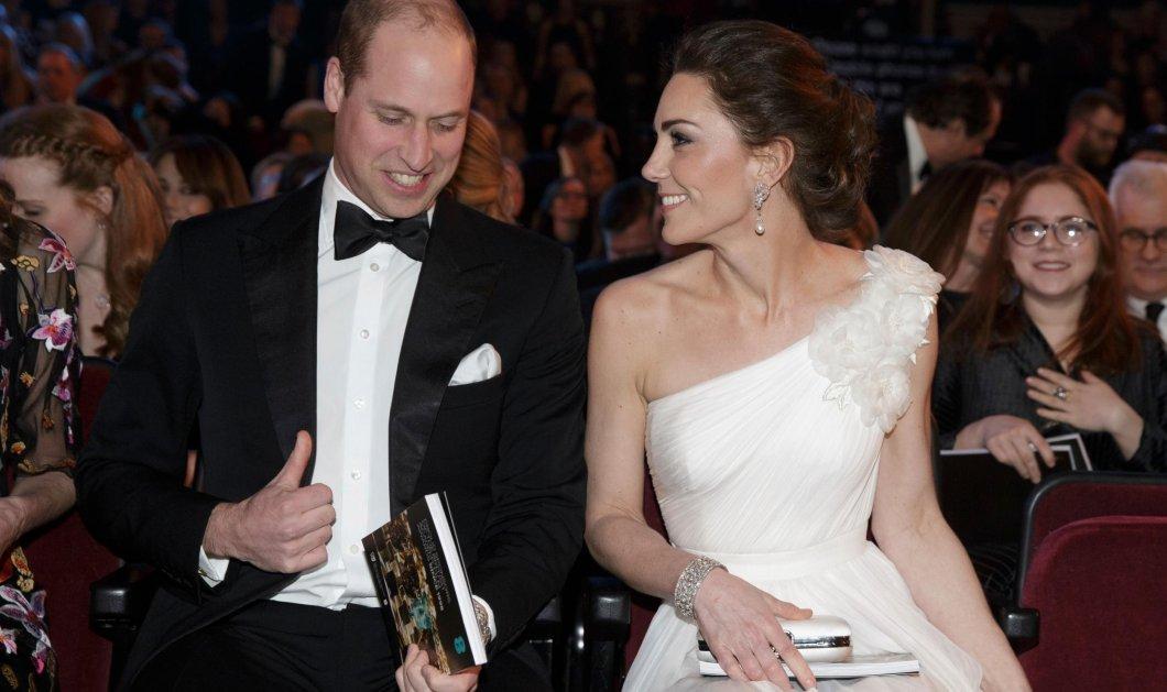 """Οι καλύτερες βασιλικές εμφανίσεις στο κόκκινο χαλί - Η Κέιτ Μίντλετον ρωτά: """"Ποια προτιμάτε;"""" (Φώτο) - Κυρίως Φωτογραφία - Gallery - Video"""