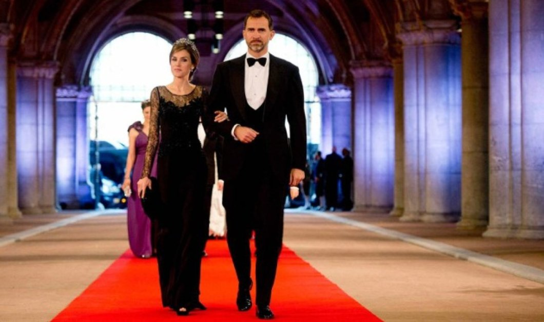 Βασίλισσα Λετίσια και Φίλιππος στο Μαρόκο για του Αγίου Βαλεντίνου – Έλαμπε στο κατάλευκο & γεμάτο διαμάντια φόρεμά της - Κυρίως Φωτογραφία - Gallery - Video