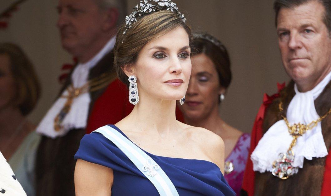 Βασίλισσα Λετίσια: Εντυπωσιακή και πάντα μέσα στην μόδα – Δείτε πως φόρεσε το snakeskin και πάρτε ιδέες! (φωτό)  - Κυρίως Φωτογραφία - Gallery - Video