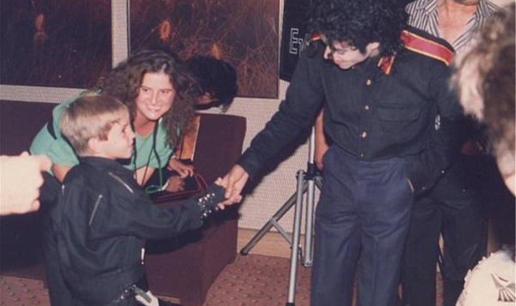 Μάικλ Τζάκσον: Εικόνες που απαθανατίζουν τη στενή σχέση του βασιλιά της ποπ με το αγόρι που τον κατηγορεί για σεξουαλική κακοποίηση   - Κυρίως Φωτογραφία - Gallery - Video