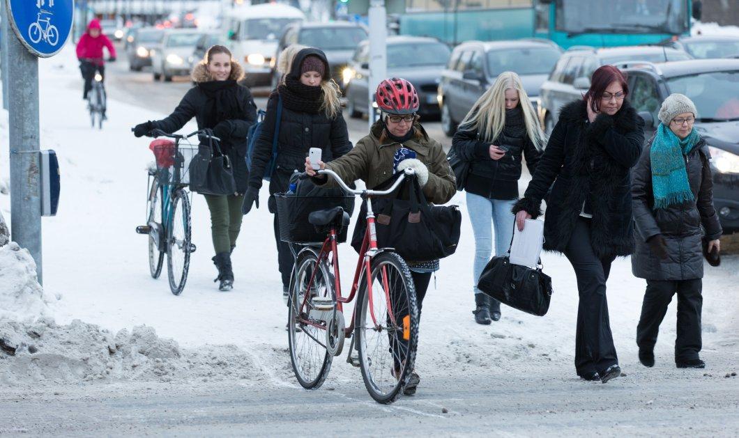 Σε αυτήν την πόλη της Φινλανδίας τα παιδιά πάνε σχολείο με ποδήλατο ακόμα και όταν το θερμόμετρο δείχνει -17°C - Κυρίως Φωτογραφία - Gallery - Video