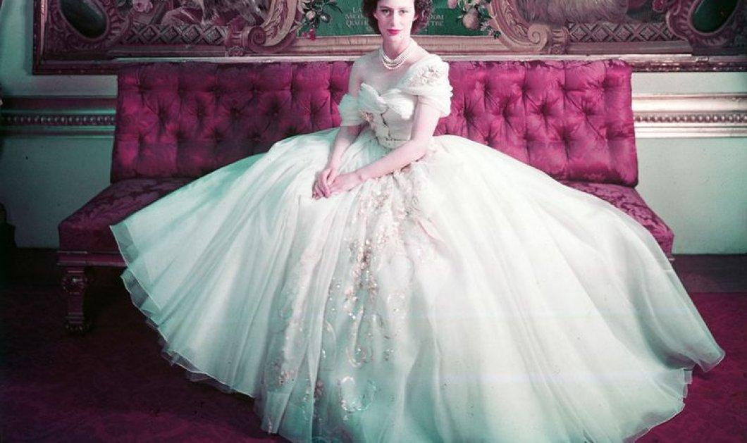 To ονειρικό  Dior φόρεμα που φορούσε η πριγκίπισσα Μαργαρίτα στα 21α της γενέθλια σε μια μεγάλη έκθεση στην Βρετανία (φώτο) - Κυρίως Φωτογραφία - Gallery - Video