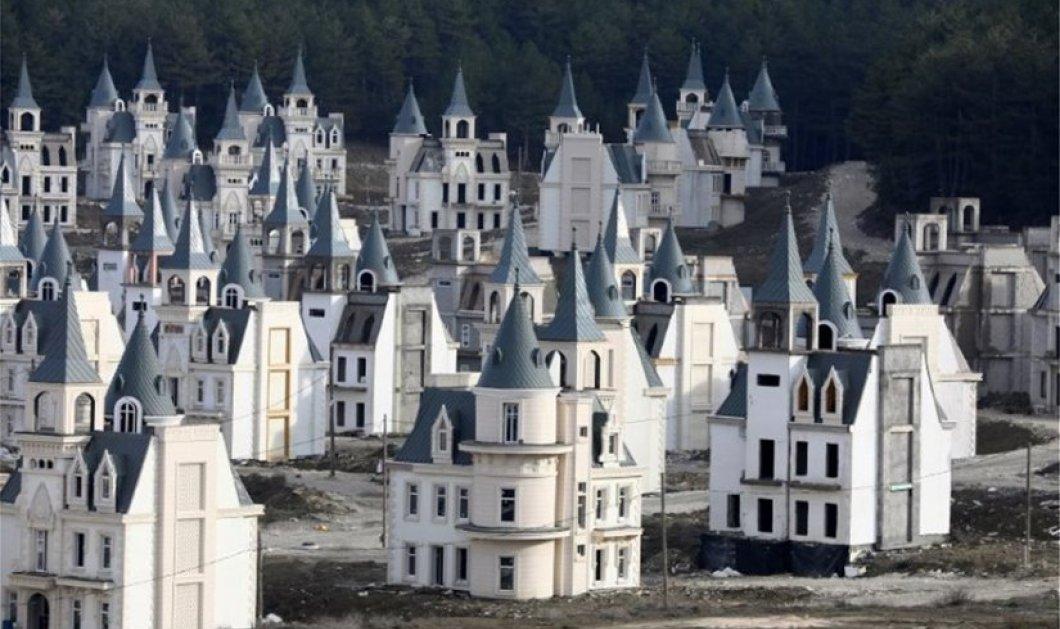 Aν δείτε αυτό το χωρίο με τα σπίτια - παλάτια θα νομίσετε πως ζουν πριγκίπισσες της Disney - Που είναι; Έκπληξη! - Κυρίως Φωτογραφία - Gallery - Video