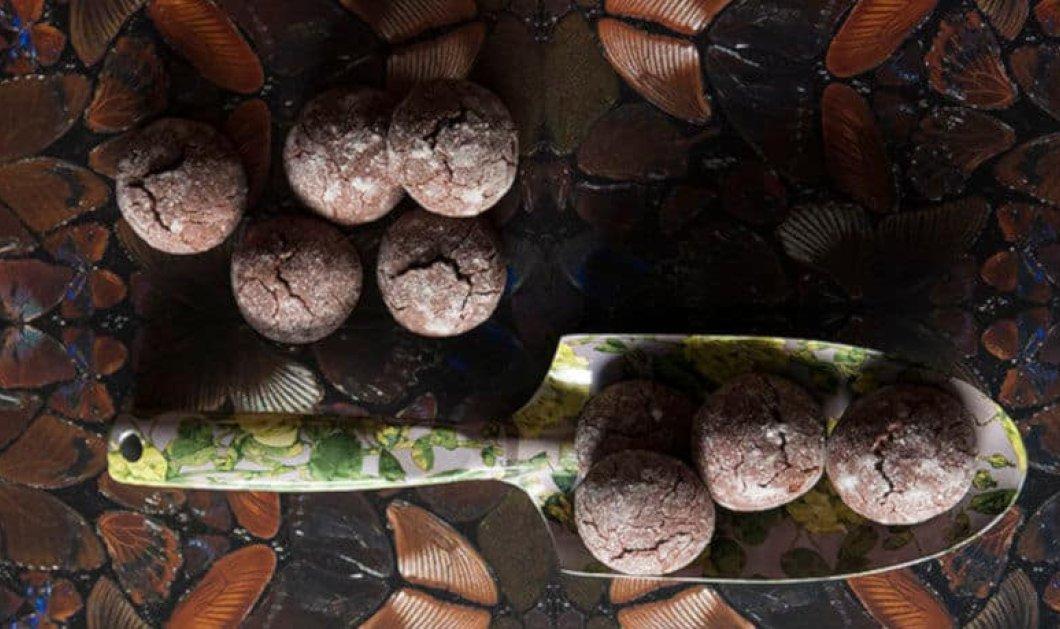 Στέλιος Παρλιάρος: Υγρά μπισκότα σοκολάτας – Τραγανά εξωτερικά, μαλακά μέσα - Κυρίως Φωτογραφία - Gallery - Video