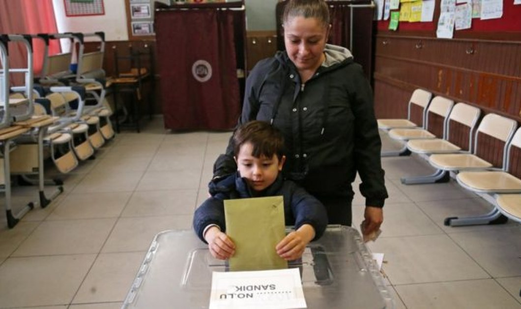 """Τουρκία:  57 εκατομμύρια ψηφοφόροι στις κάλπες για τις δημοτικές εκλογές - """"Crash test"""" για τον Ερντογάν - Επιμένει στις προκλήσεις (φώτο-βίντεο) - Κυρίως Φωτογραφία - Gallery - Video"""