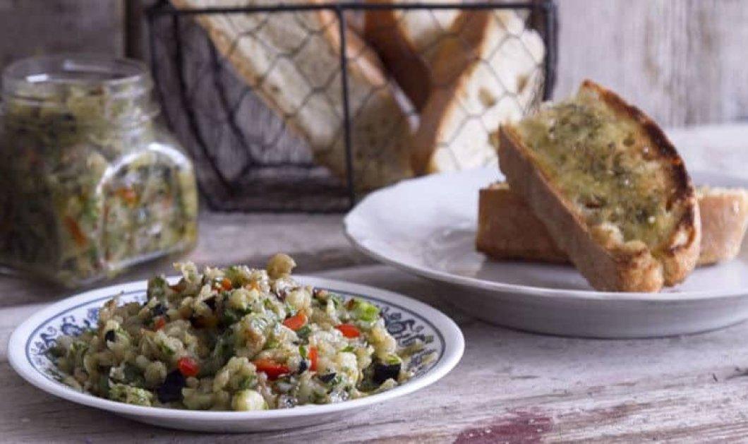 Άκης Πετρετζίκης: Ελαφριά, πεντανόστιμη μελιτζανοσαλάτα για όλες τις ώρες - Κυρίως Φωτογραφία - Gallery - Video