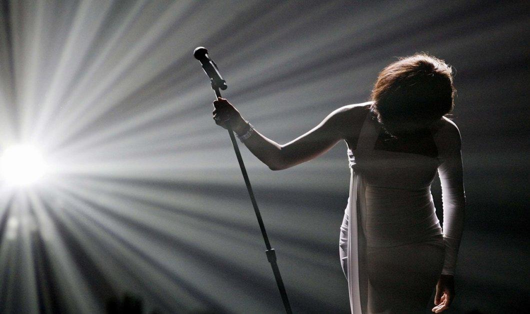 H Ελληνίδα τραγουδίστρια που παλεύει με τη νευρική ανορεξία - Μόλις 47 κιλά & δεν το συνειδητοποιεί - Κυρίως Φωτογραφία - Gallery - Video