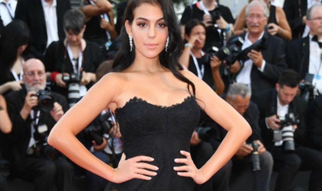 Με σέξι εσώρουχα η 25χρονη σύντροφος του Ρονάλντο - Η πωλήτρια του Gucci που ζει το όνειρο της (φωτό) - Κυρίως Φωτογραφία - Gallery - Video