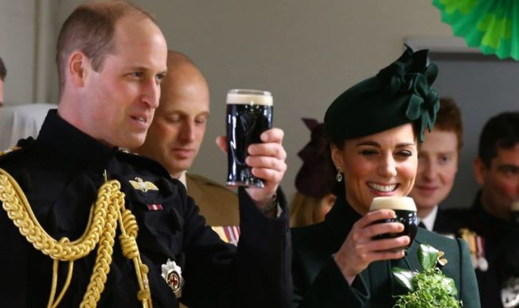 Το βαθύ κυπαρισσί στο παλτό της Δούκισσας του Κέιμπριτζ – Απαστράπτουσα & χαρούμενη δίπλα στον Ουίλιαμ - Κυρίως Φωτογραφία - Gallery - Video