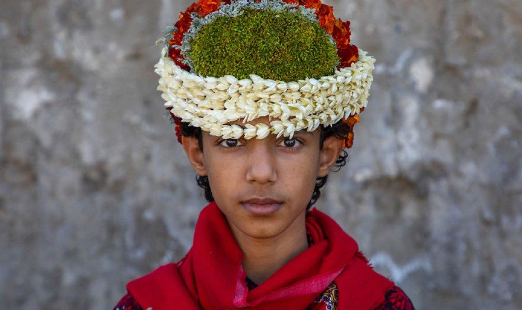 """Καλλιτέχνης απαθανάτισε τους θρυλικούς """"άνδρες των λουλουδιών"""" στη Σαουδική Αραβία - Φώτο - Κυρίως Φωτογραφία - Gallery - Video"""