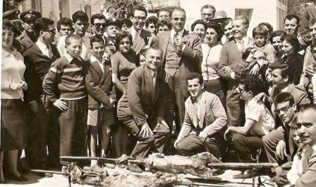 Νοσταλγικές Vintage Pics: Πάσχα στην Ελλάδα με τη γοητεία μιας άλλης εποχής - Κυρίως Φωτογραφία - Gallery - Video