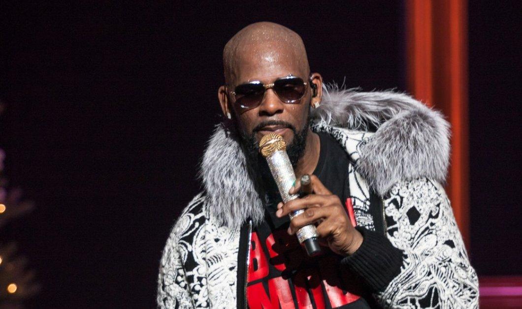 Έδωσαν 100 δολάρια να ακούσουν τον αγαπημένο τους τραγουδιστή και εκείνος τραγούδησε περίπου... 28 δευτερόλεπτα! (βίντεο) - Κυρίως Φωτογραφία - Gallery - Video