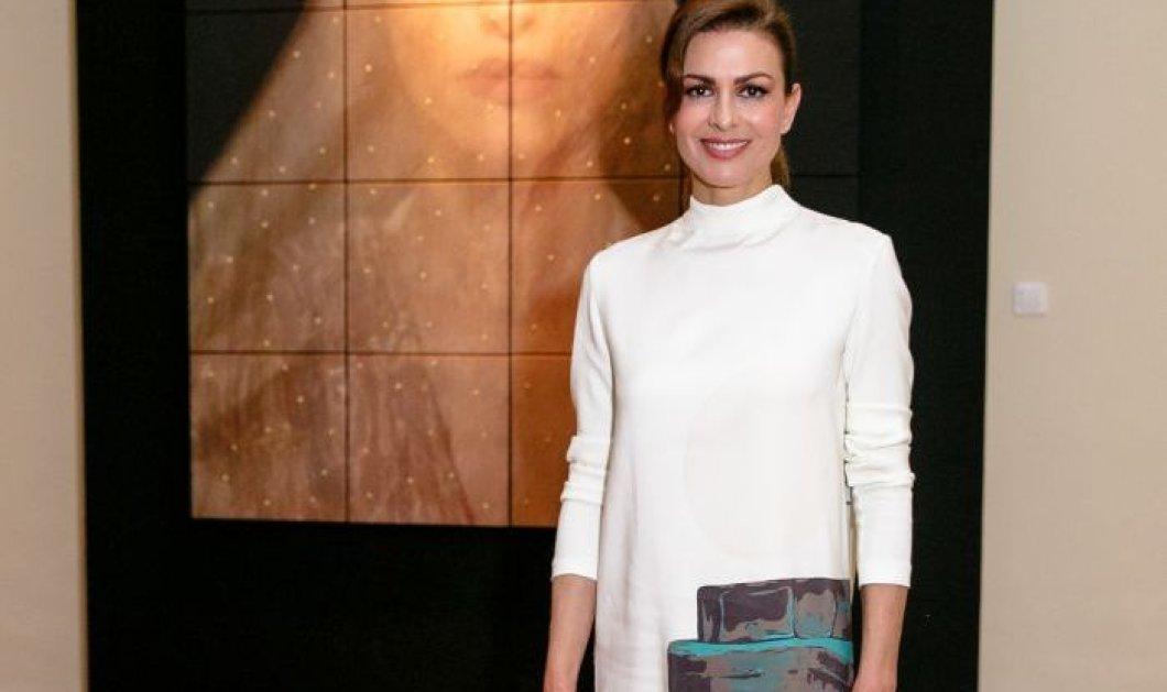Εντυπωσίασε η Τζίνα Αλιμόνου με λευκό φουστάνι στο πλάι του Δημήτρη Μαστρόκαλου - Κυρίως Φωτογραφία - Gallery - Video