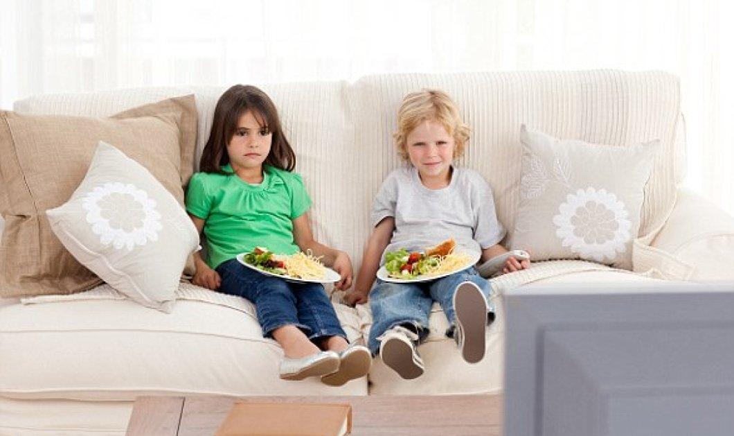 Ο λόγος που τα παιδιά δεν πρέπει να τρώνε μπροστά στην τηλεόραση - Κυρίως Φωτογραφία - Gallery - Video