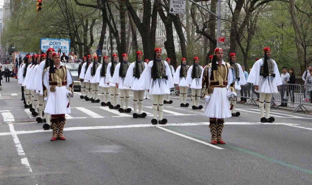 """Το Μανχάταν γέμισε τσολιάδες - Η μεγαλειώδης παρέλαση στη Νέα Υόρκη υπό τους ήχους του """"Μακεδονία ξακουστή"""" (φώτο- βίντεο) - Κυρίως Φωτογραφία - Gallery - Video"""