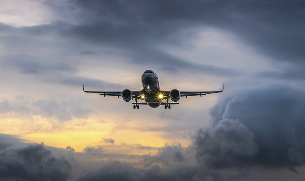 Πανικός στον αέρα: Κινητήρας αεροπλάνου τυλίχθηκε στις φλόγες πριν από την απογείωση (βίντεο) - Κυρίως Φωτογραφία - Gallery - Video