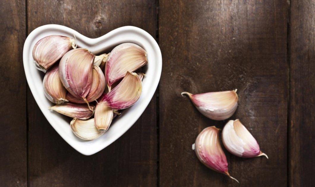 Να γιατί πρέπει να εντάξουμε στη διατροφή μας το σκόρδο: Λειτουργεί ως ασπίδα κατά του Αλτσχάιμερ & του Πάρκινσον    - Κυρίως Φωτογραφία - Gallery - Video