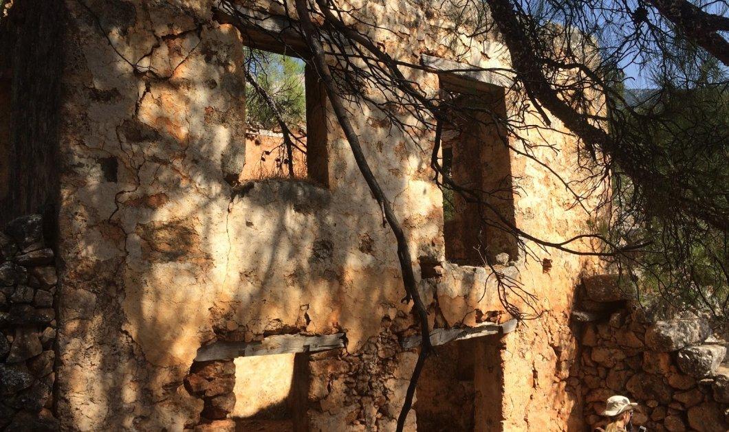 """Η συναρπαστική ιστορία της Αράδαινας: Το """"χωριό φάντασμα"""" ερήμωσε λόγω μίας βεντέτας - Παράδεισος του Bungee jumping (φώτο) - Κυρίως Φωτογραφία - Gallery - Video"""