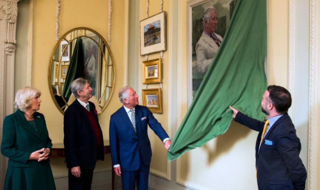 Ο πρίγκιπας Κάρολος κάνει τα αποκαλυπτήριατου πορτρέτου του στο κάστροτου Χίλσμπορο στη Β. Ιρλανδία - Κυρίως Φωτογραφία - Gallery - Video