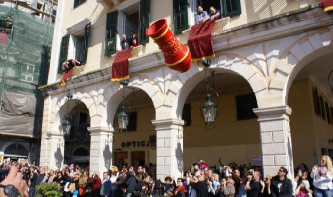 Η Ελλάδα γιορτάζει το Πάσχα - Έθιμα και παραδόσεις σε όλη τη χώρα - Κυρίως Φωτογραφία - Gallery - Video