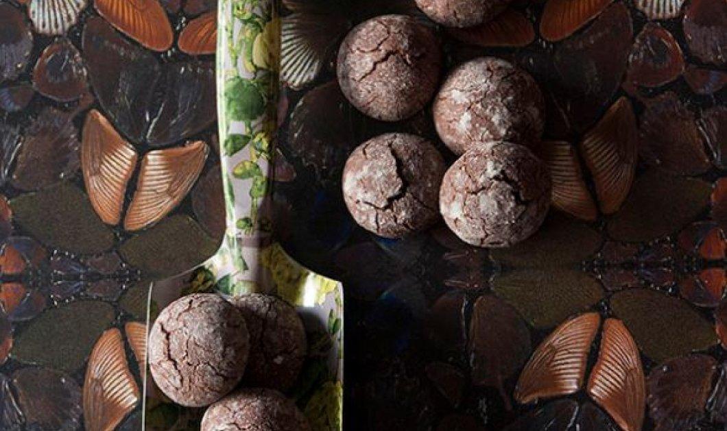 Στέλιος Παρλιάρος; Μας φτιάχνει πεντανόστιμα υγρά μπισκότα σοκολάτας - Κυρίως Φωτογραφία - Gallery - Video