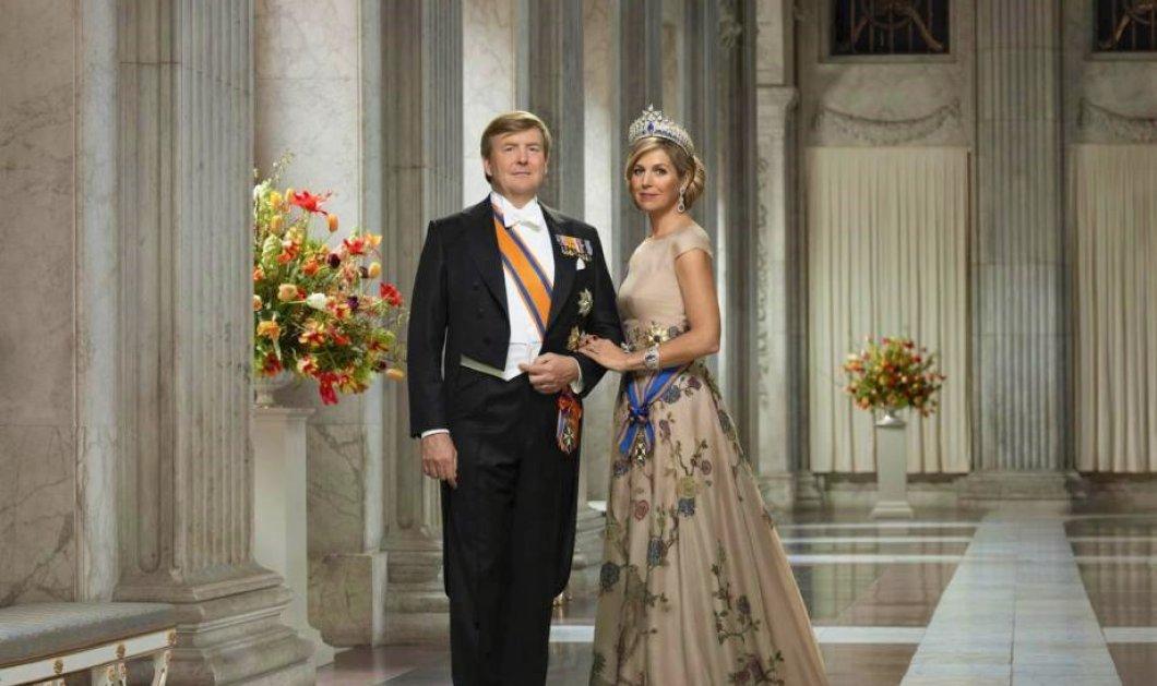Glamorous Βασίλισσα Μάξιμα στο πλάι του Βασιλιά Γουίλιαμ Αλέξανδρου της Ολλανδίας - Στην δεξίωση των διπλωματών    - Κυρίως Φωτογραφία - Gallery - Video