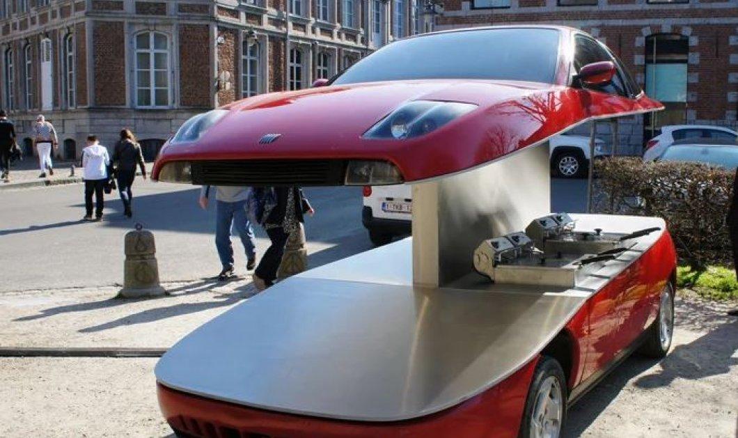 Διεκδικεί ρεκόρ φαντασίας: Έκοψε στα δυο ένα Fiat & το μετέτρεψε σε καντίνα για να πουλάει τηγανιτές πατάτες (φωτό) - Κυρίως Φωτογραφία - Gallery - Video