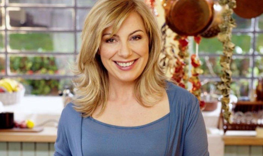 Ντίνα Νικολάου: Μας ετοιμάζει θεσπέσια αγκιναρόπιτα με κρέμα και ένα... ιδιαίτερο φύλλο! - Κυρίως Φωτογραφία - Gallery - Video