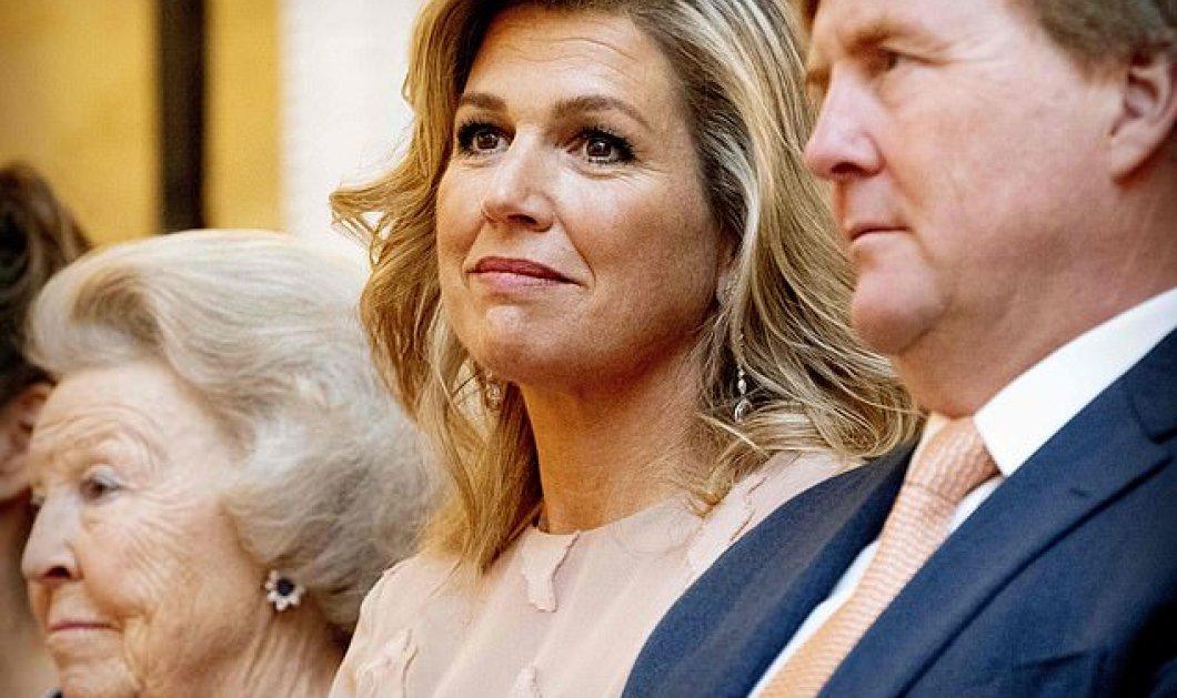Βασίλισσα της κομψότητας για ακόμα μία φορά η Μάξιμα - Κούκλα με ροζ φόρεμα σε ομιλία στη Χάγη (φώτο) - Κυρίως Φωτογραφία - Gallery - Video
