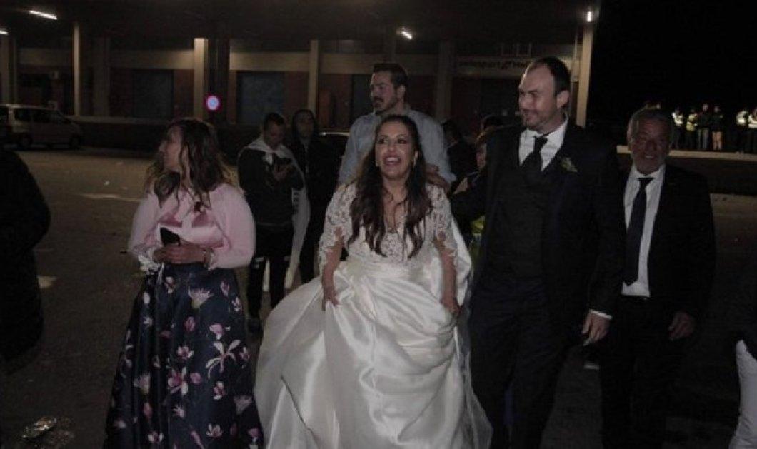 Απίστευτο: Η νύφη το σκάσε.... και πήγε να πανηγυρίσει για τον ΠΑΟΚ! (βίντεο)  - Κυρίως Φωτογραφία - Gallery - Video