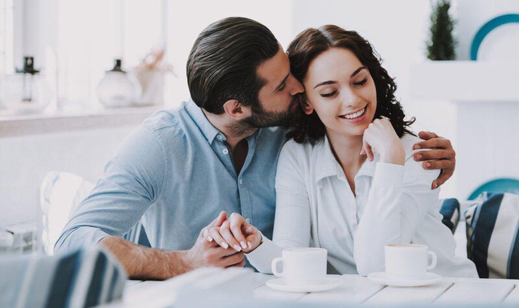Πρέπει ή όχι να μιλάτε με τον σύντροφό σας κατά τη διάρκεια του σεξ;  Πώς να αυξήσετε την επικοινωνία & την απόλαυση μεταξύ σας  - Κυρίως Φωτογραφία - Gallery - Video