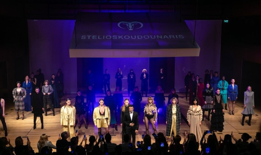 Με ένα λαμπερό fashion show ο Στέλιος Κουδουνάρης, παρουσίασε την καινούργια του συλλογή – Όλοι οι celebrities ήταν εκεί! (φωτό – βίντεο) - Κυρίως Φωτογραφία - Gallery - Video