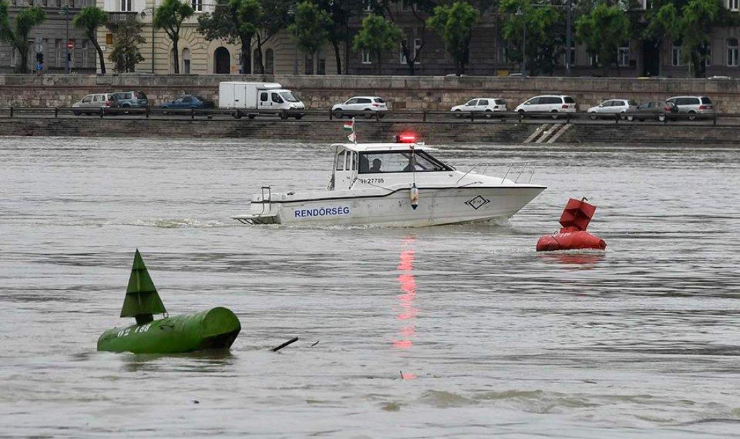 Ουγγαρία: Ανετράπη ποταμόπλοιο στο Δούναβη με δεκάδες επιβαίνοντες - Τουλάχιστον 7 νεκροί και 19 αγνοούμενοι - Κυρίως Φωτογραφία - Gallery - Video