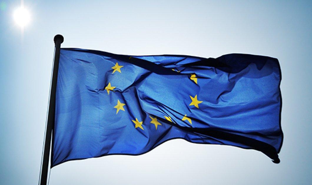 Η ελευθερία του Τύπου σε κίνδυνο; - Συντονίζω την εκδήλωση με ομιλητές Παπανδρόπουλο, Σόμπολο, Χαϊμαντά & Τσαουσίδου  - Παγκόσμια Ημέρα της Ευρώπης - Κυρίως Φωτογραφία - Gallery - Video