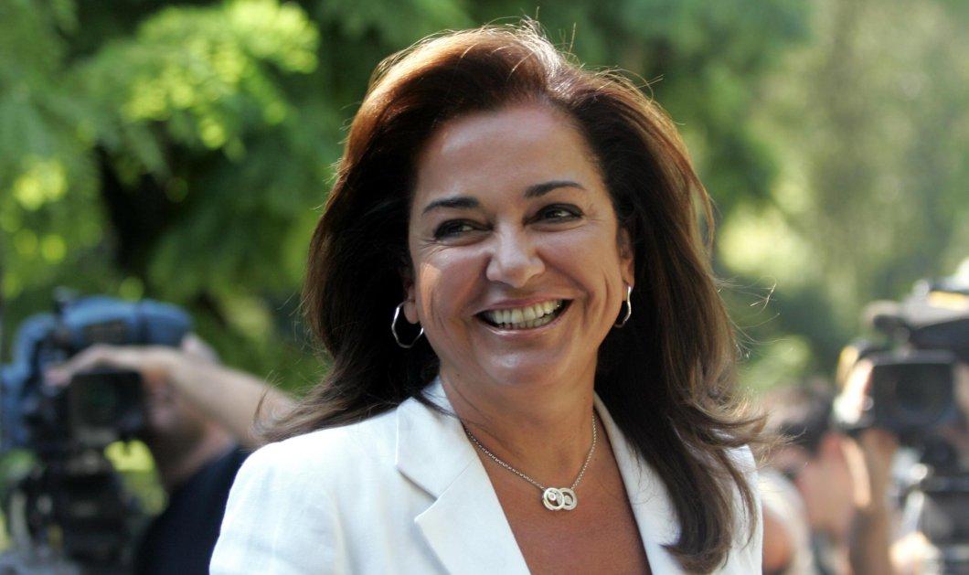 """Με τα τρία εγγόνια της ψήφισε η Ντόρα Μπακογιάννη - Η απόφαση """"ομόφωνη"""" (φώτο) - Κυρίως Φωτογραφία - Gallery - Video"""