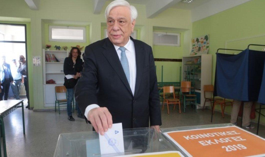 Ψήφισε ο Προκόπης Παυλόπουλος - Να δείξουμε οι Έλληνες πόσο Ευρωπαίοι είμαστε (βίντεο) - Κυρίως Φωτογραφία - Gallery - Video