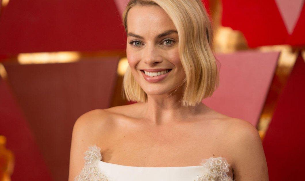 """Όταν η Margot Robbie ντύνεται για κόκκινο χαλί τις """"σβήνει"""" όλες - Με το ξανθό glamour της & το χαμόγελο """"kolynos' (φώτο) - Κυρίως Φωτογραφία - Gallery - Video"""