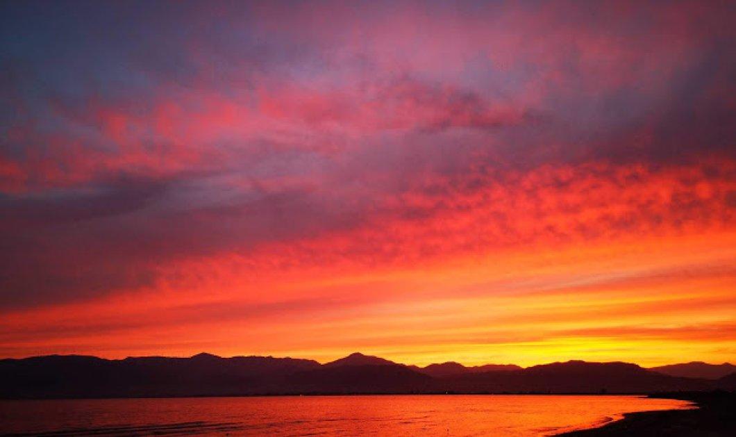 Συγκλονιστικές εικόνες: Το πρώτο μαγικό ηλιοβασίλεμα του καλοκαιριού στο Ναύπλιο (φώτο -βίντεο) - Κυρίως Φωτογραφία - Gallery - Video