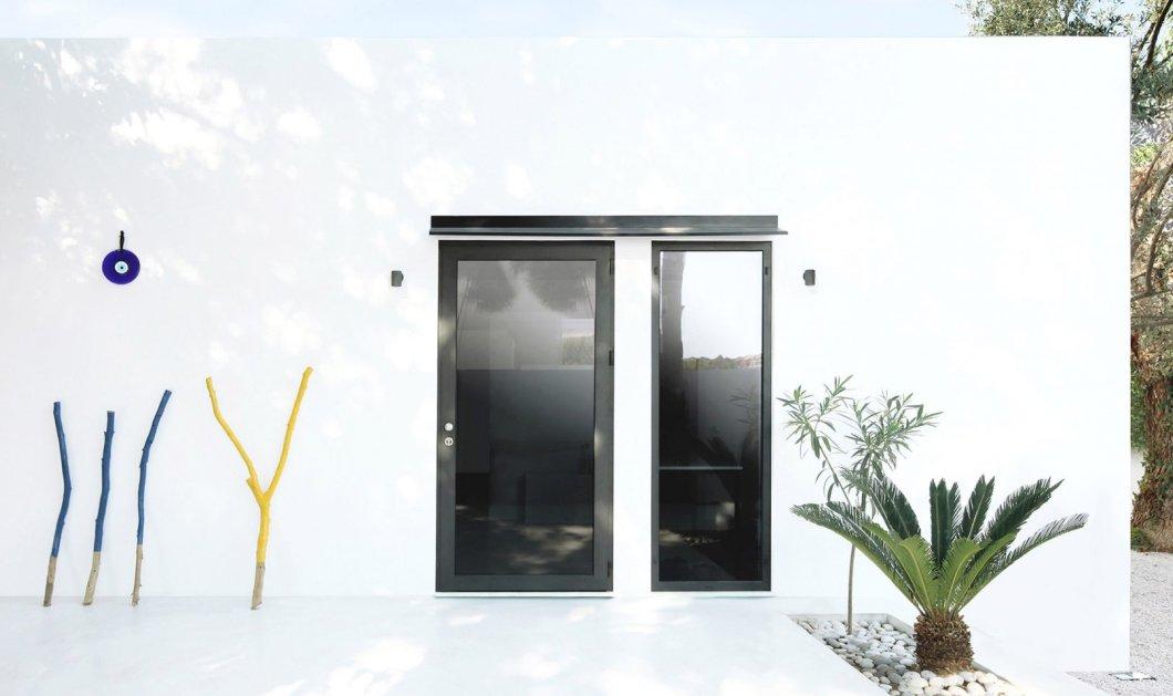 """Monocabin: """"Μικρό σπίτι - μεγάλη καρδιά"""" - Όλο το λευκό του Αιγαίου σε μια ονειρική """"καμαρούλα μια σταλιά"""" (φώτο) - Κυρίως Φωτογραφία - Gallery - Video"""