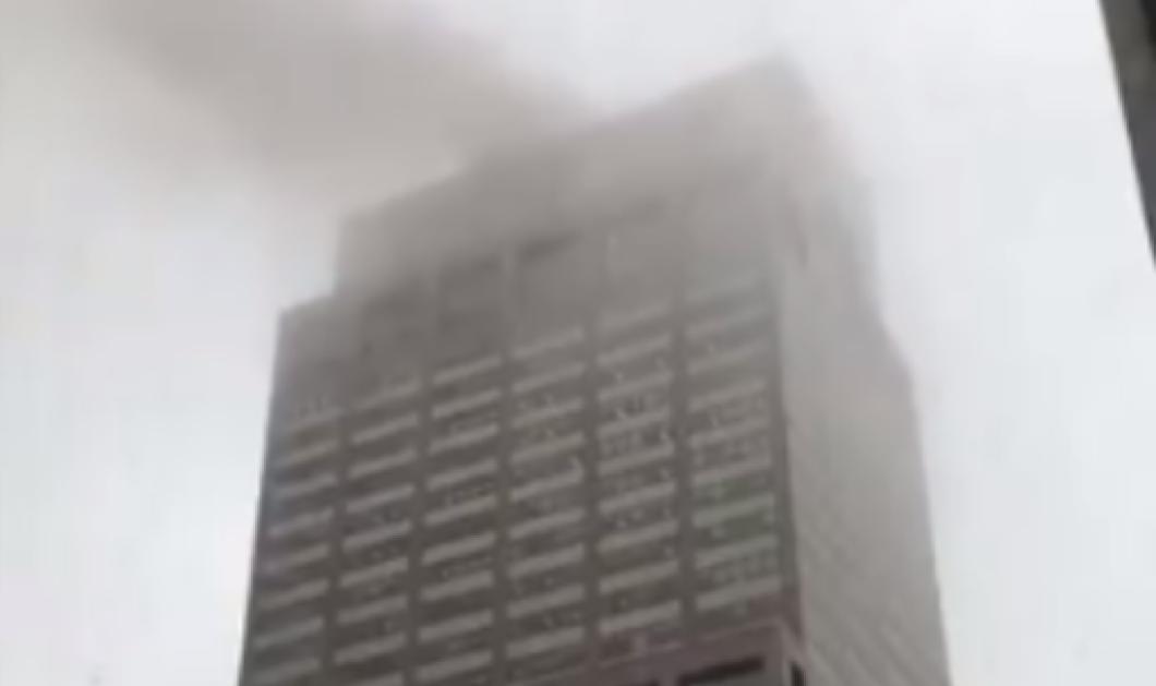 Ελικόπτερο κατέπεσε πάνω σε ουρανοξύστη στη Νέα Υόρκη – Κόπηκε η ανάσα στην μεγαλούπολη (φωτό & βίντεο)  - Κυρίως Φωτογραφία - Gallery - Video
