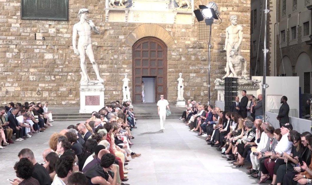 Ε, σήμερα μόνο για άντρες - Ferragamo με ωραία αγόρια στην πιο όμορφη πλατεία της Ιταλίας (βίντεο) - Κυρίως Φωτογραφία - Gallery - Video